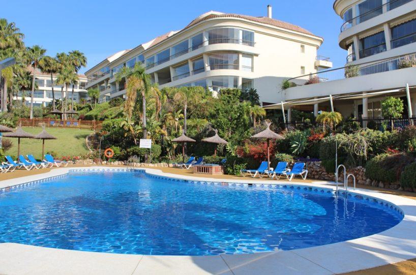 Las Olas, Riviera del Sol
